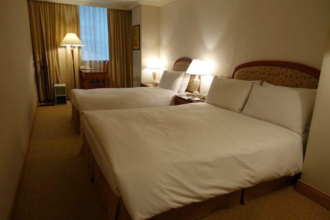 東呉大飯店(Dong Wu Hotel)客室内 ベット
