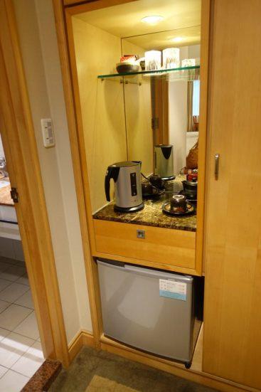 東呉大飯店(Dong Wu Hotel) 室内 冷蔵庫 ポット