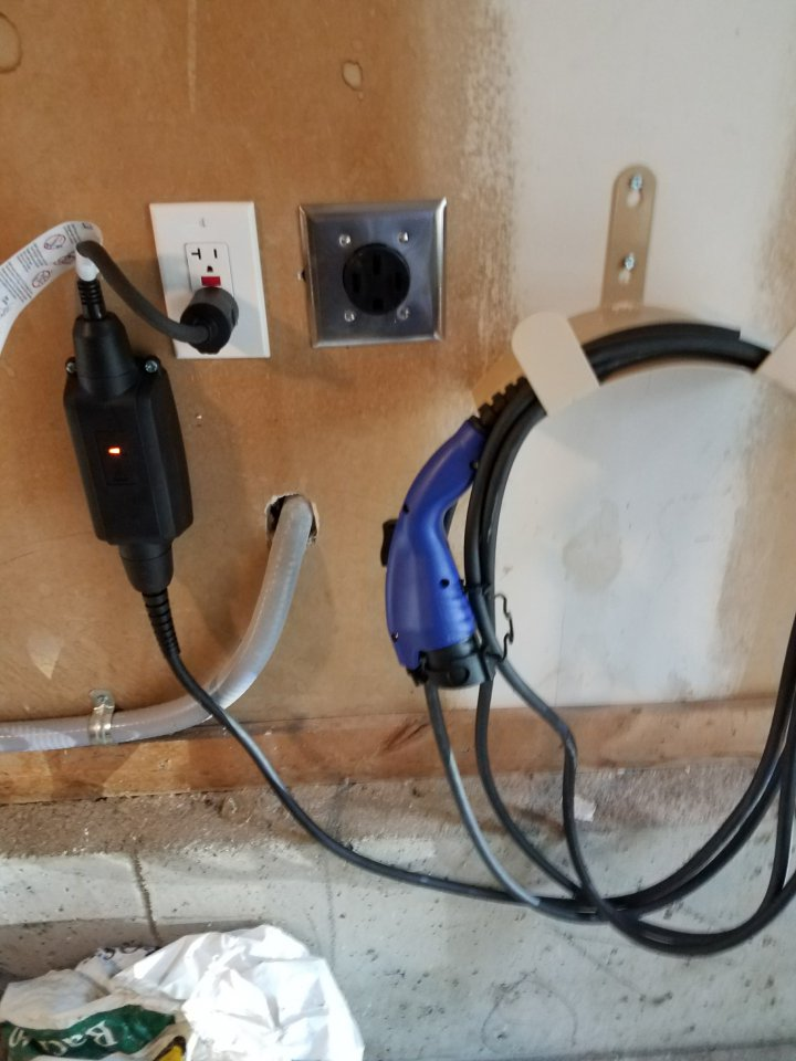 My New Garage Electrical Outlets And 240v Charger Question