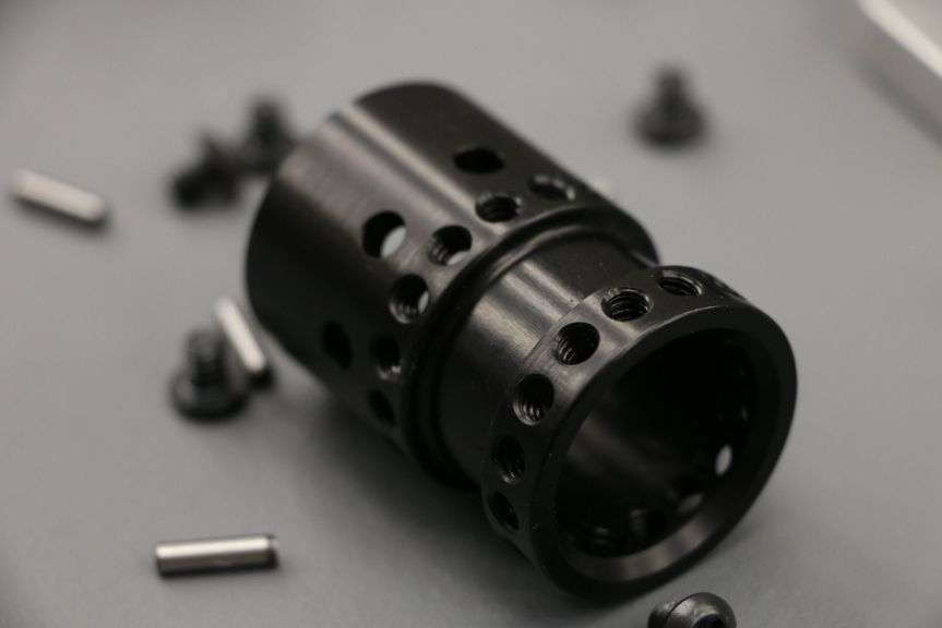 v-seven weapon systems mangesium handguards. HYPLIGHT 7KM 7inch handguard lightest handguard 4