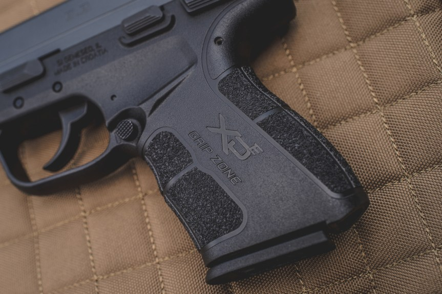 langdon tactical edition springfield armory xd-e double action single action pistol concealed carry 9mm slimmest carry gun 2