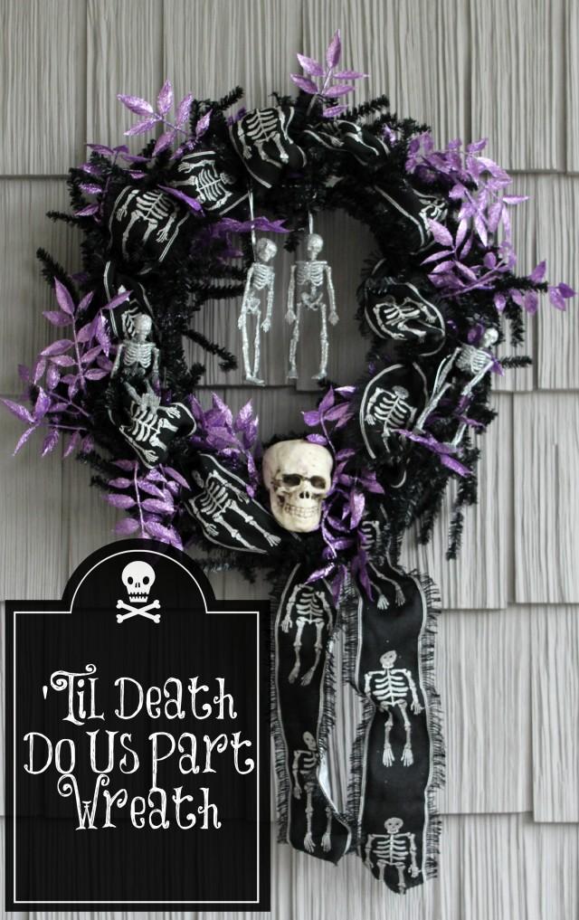 Spooky Skeleton Halloween Wreath