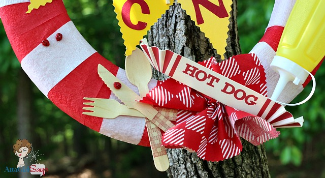 Picnic Wreath for an Outdoor Barbecue by AttaGirlSays.com