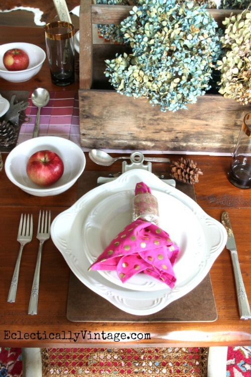 Unique and Creative Table Settings: Tablecloth, Runner  and Placemat Ideas