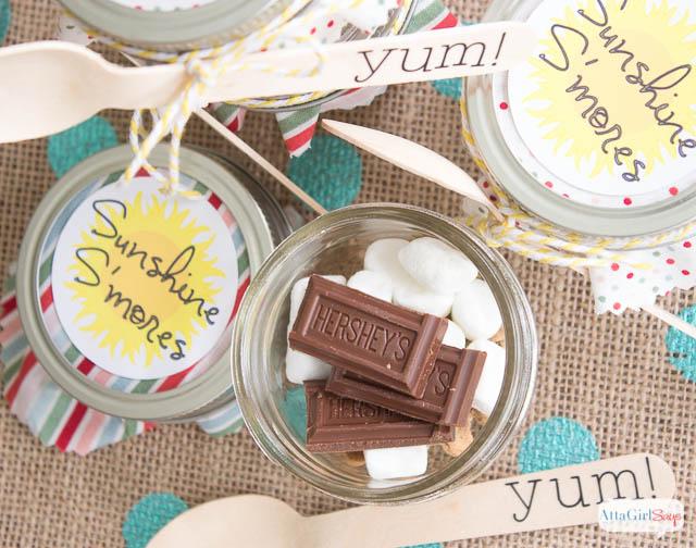 Mason Jar Recipes: Sunshine S'mores