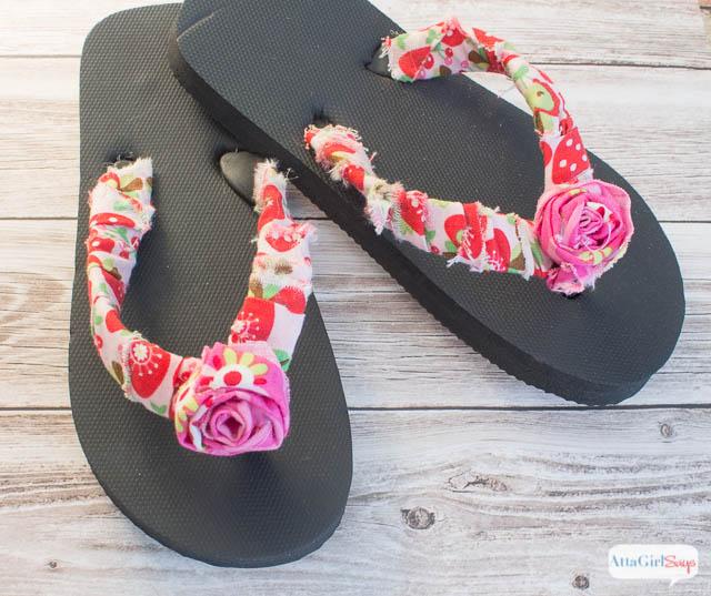 No-Sew Project: Embellished Flower Flip Flops