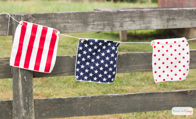 Easy DIY Patriotic Bunting: Make one in 5 minutes or less!