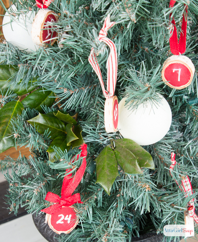 Wood Slice Advent Christmas Tree Ornaments