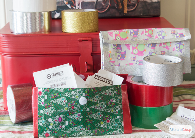 Click for a video tutorial for how to make a duct tape wallet with accordion sides. Use holiday Duck Tape to make a receipt organizer. This would make a great duct tape coupon holder, as well.