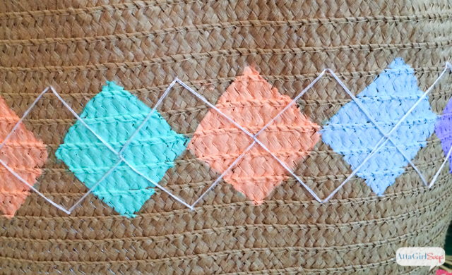 Argyle Pattern Spring Tote