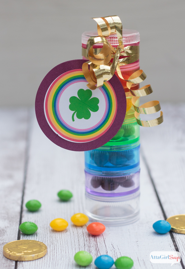 Looking for St Patrick's Day craft ideas? Make these rainbow candy treats using pill cases from the dollar store. Click here for the free printable tags.