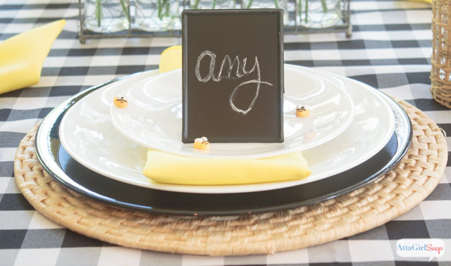 Gorgeous Table Decoration Ideas in Yellow & Black
