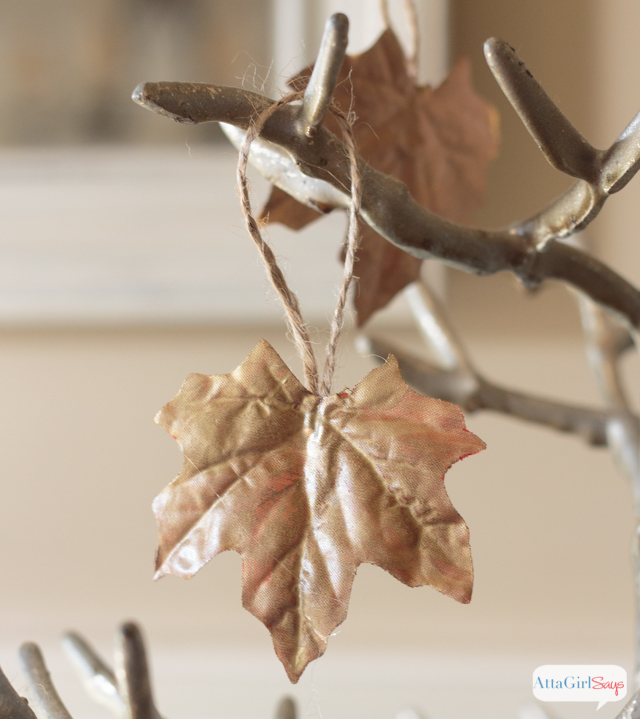 I've seen a lot of fall leaf craft ideas, but this might be my favorite! Use liquid gilding in a variety of colors to give faux leaves a metallic sheen.