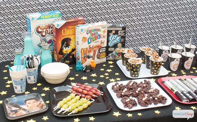 """Are you planning a Star Wars party to celebrate the premiere of """"The Force Awakens""""? Or maybe you'll be going to one of the midnight screenings. Here are some great Star Wars snack ideas for breakfast. It would be so cool to set up a Star Wars breakfast bar for a kids' sleepover. #ad #awkenyourtastebuds"""