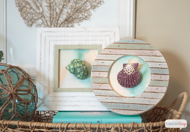 Here's a great way to display those shells you collected on your beach vacation. It's really easy to make seashell artwork, with very little effort and expense. Get the step-by-step instructions here.