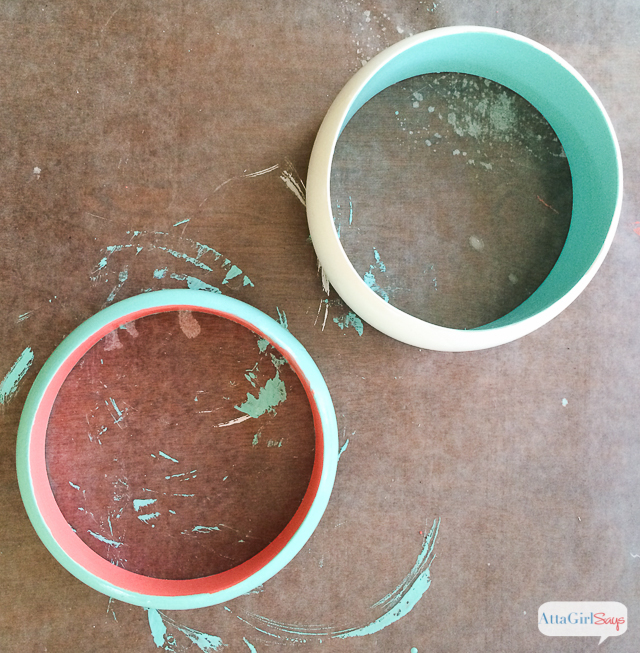 Learn now to paint wooden bangle bracelets to give as Mother's Day presents. #decoartprojects #ad