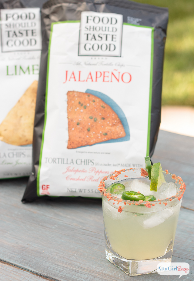 This fiery homemade limeade recipe gets its kick from jalapeno-infused bourbon. It's a slow summertime sipper that pairs well with tortilla chips. #sponsored #FoodShouldTasteGood