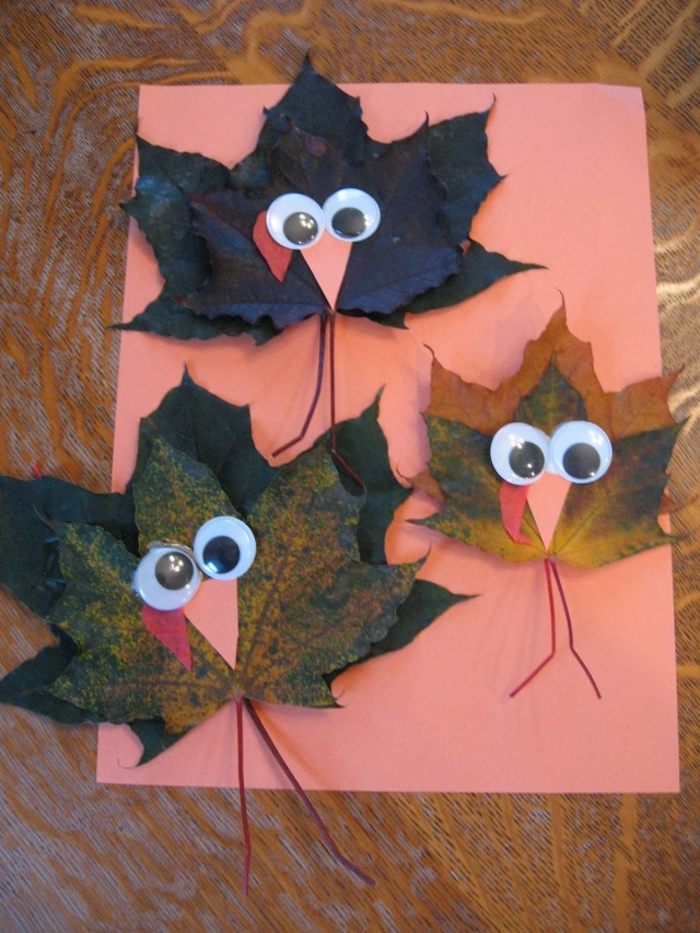 These maple leaf turkeys are just one of the adorable Thanksgiving turkey crafts you can make with leaves. Click to find links and instructions for them all.