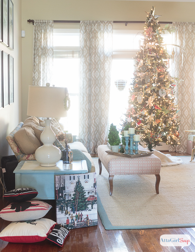 Take a peek behind the scenes of a beautiful holiday home tour to see what's really involved in decking the halls for Christmas. There's lots of glitter and bins and mess, just like at your home. But this holiday survival guide has some good tips for managing the stress and chaos of holiday decorating and approaching it in a systematic way. #ad #WhenToWine