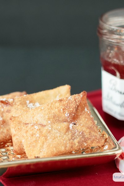 Wonton envelopes filled with jelly and fried to a golden crisp are an easy party appetizer for an awards-show viewing party or black tie event.