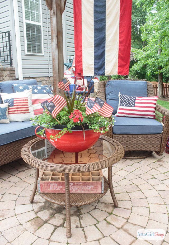 vintage Americana decor on a backyard patio