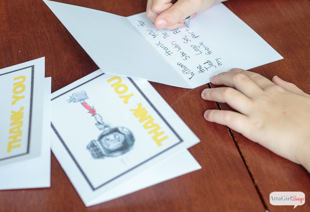 Learn how to design and print-at-home custom thank you cards using your kid's artwork. No special equipment or design skills necessary. #ad #LoveYourPC