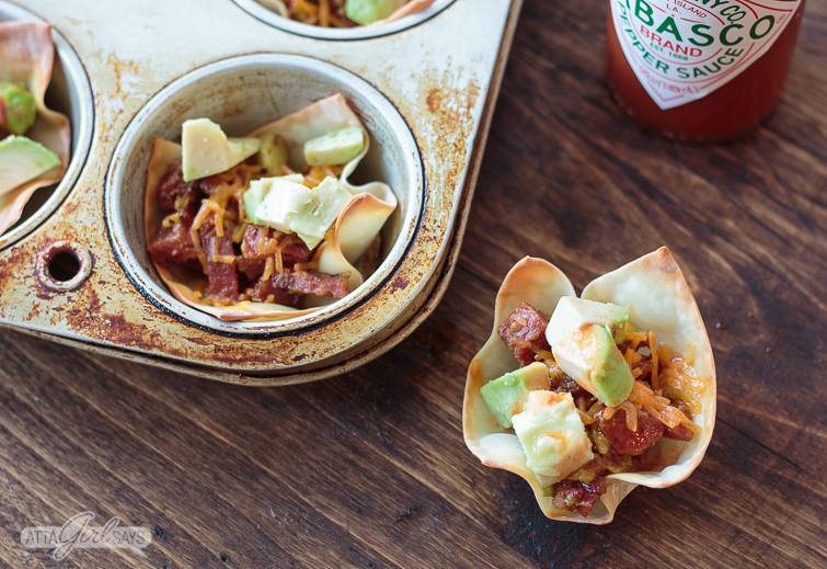 chorizo-and-avocado stuffed wonton cup