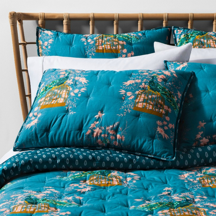 If you love vintage decor, hurry to Target to check out the new Opalhouse collection. This teal peacock bedding is one of the fabulous vintage-style pieces you'll find at great prices! #opalhouse #targetstyle #vintagestyle #peacock #vintagebedding