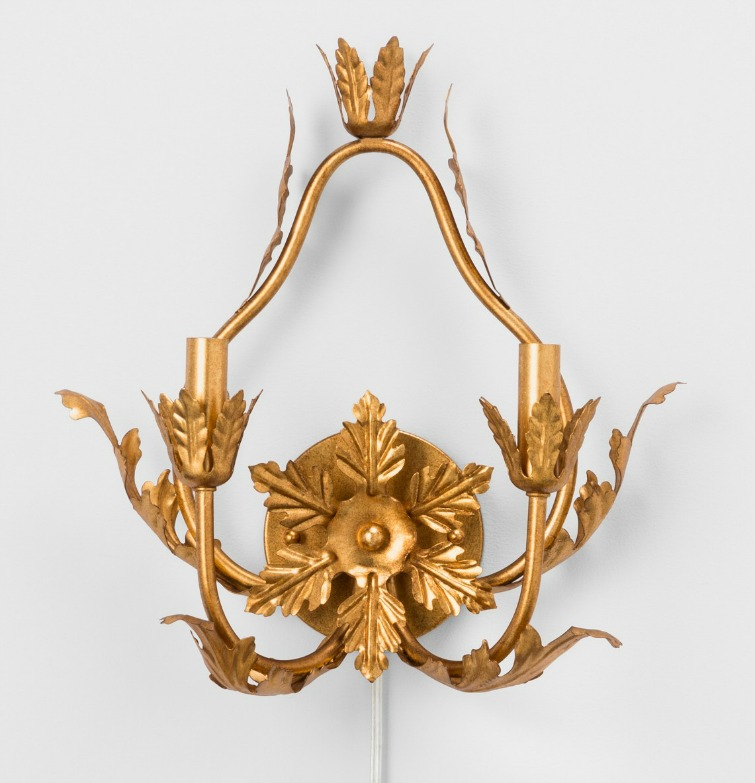 If you love vintage decor, hurry to Target to check out the new Opalhouse collection. This Italian gold chandelier is just one of the fabulous vintage-style pieces you'll find at great prices! #opalhouse #targetstyle #vintagestyle #lighting #tole #wallsconce