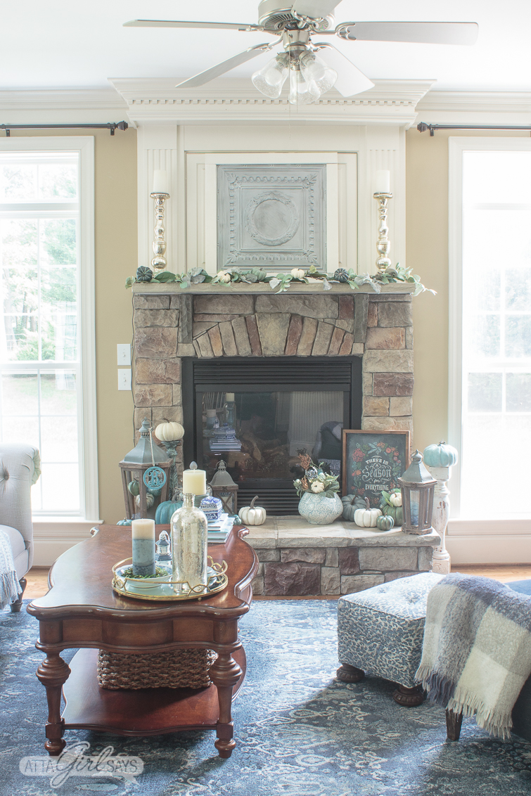 Mantel Decor Ideas Blue And Aqua Family Room Decor For Fall