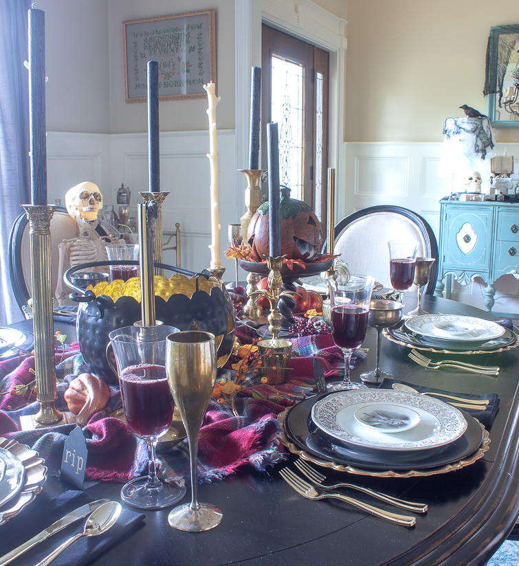 halloween dining table and foyer decorations