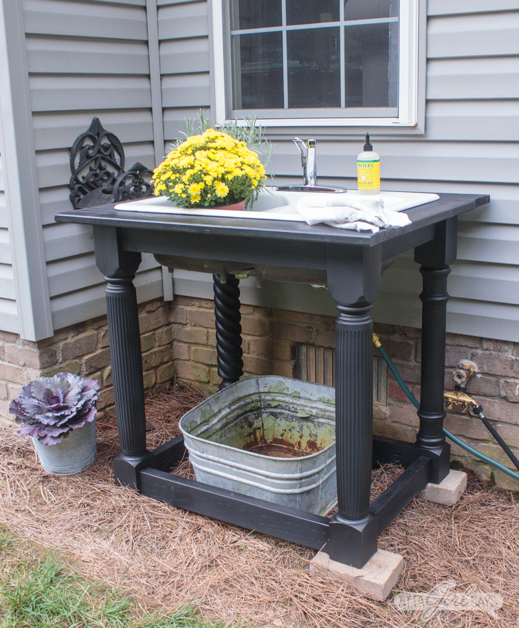 black farmhouse style outdoor sink