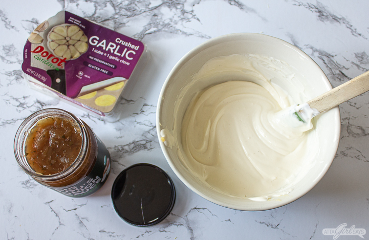 making French onion dip with garlic and onion sauce