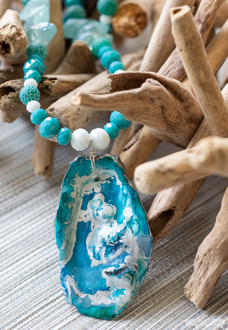 turquoise and silver oyster shell necklace with glass beads