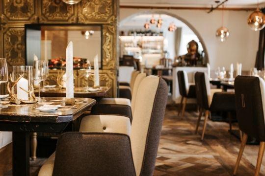 Die Gaststube des Restaurant Bachtaverne in Weyregg am Attersee - gemütlich Essen