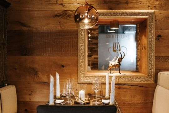 Die Gaststube des Restaurant Bachtaverne in Weyregg am Attersee - die Details