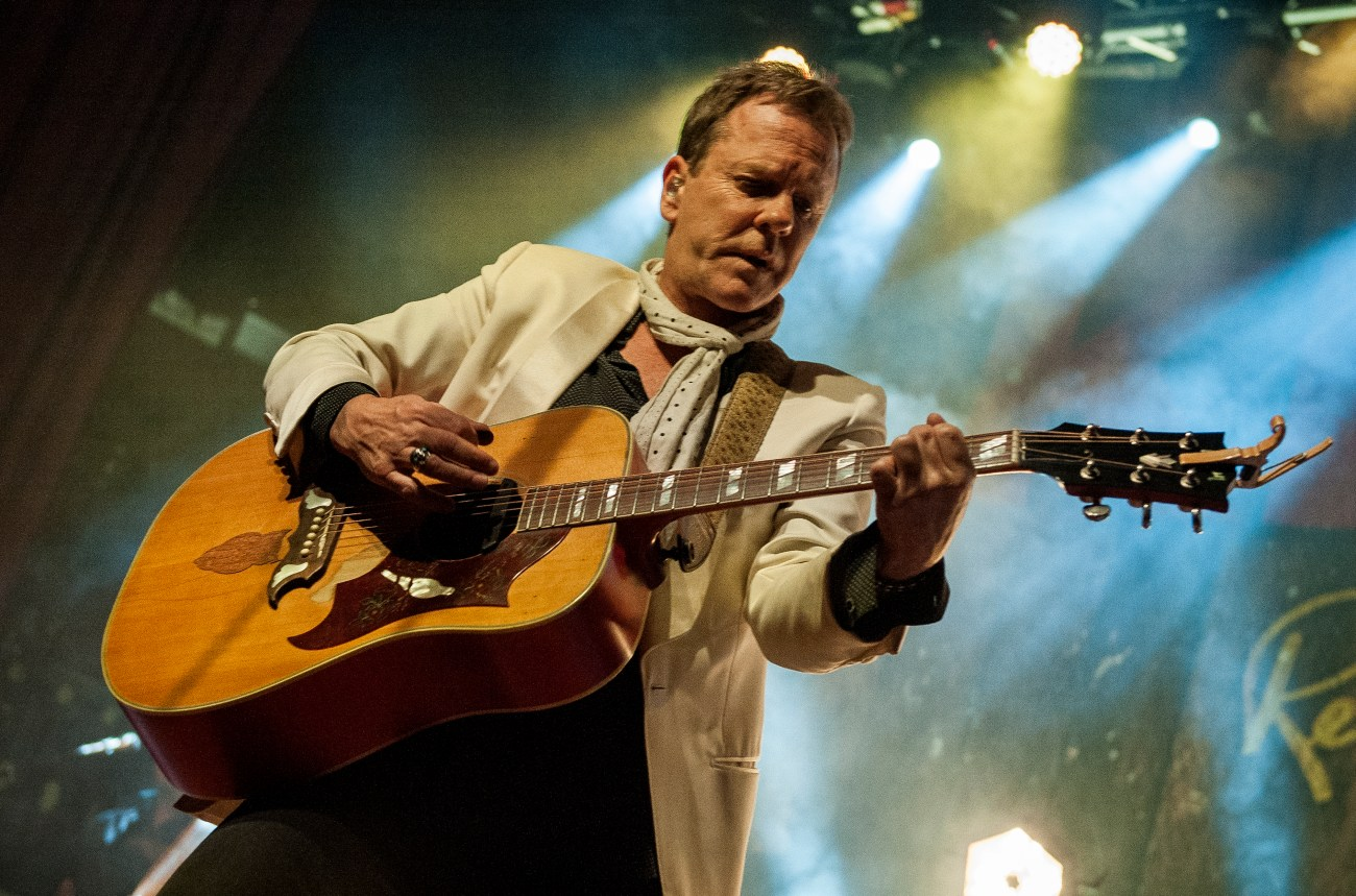 kiefer sutherland manchester ritz by mike ainscoe 10