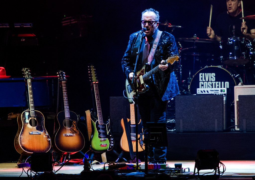 elvis costello sheffield city hall 7.3.20 by mike ainscoe 7