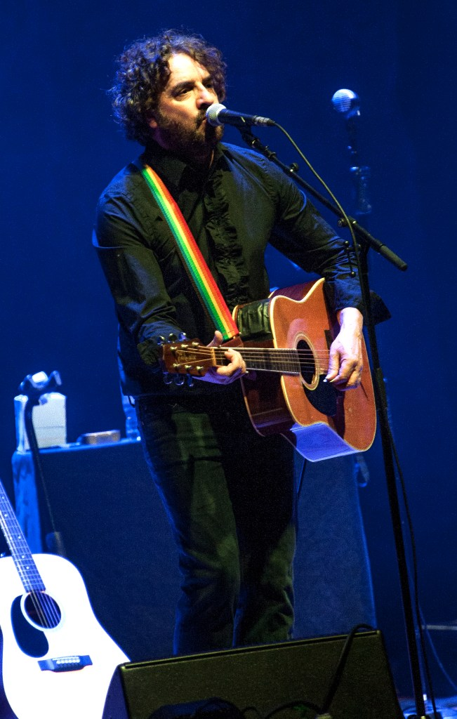 ian prowse sheffield city hall 7.3.20 by mike ainscoe 5