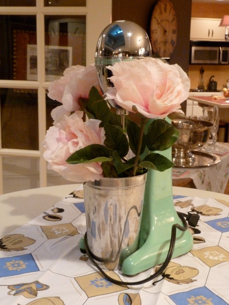 Jackie's Bridal Shower: 1950s Housewife Theme (6/6)