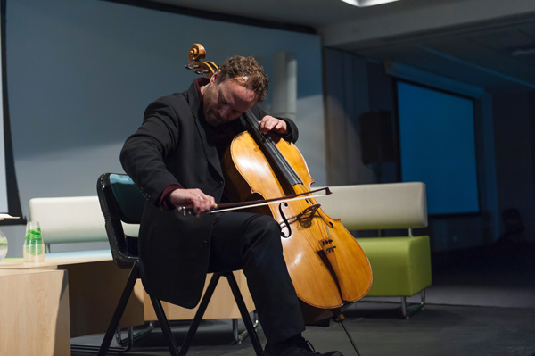 Cellist Michael Fitzpatrick
