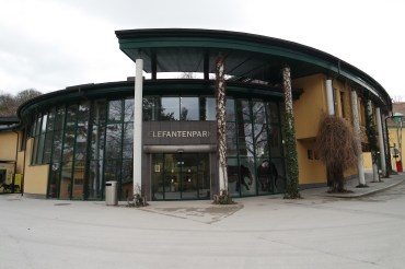 Elefantenparksaal where my classes are held.