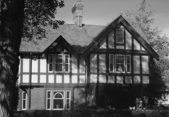 Florence and Dr. W.H. MacDonald House (933 Main St., Lake Geneva)