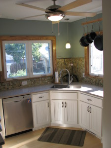 Using creative ideas when transformed this small kitchen to a beautiful working kitchen with tons of countertop space