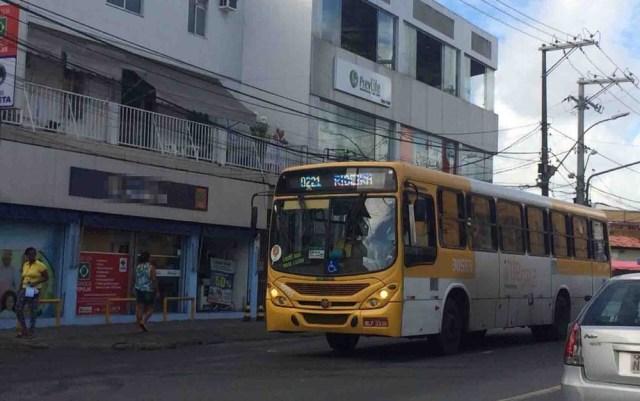Policiais e bombeiros perdem gratuidade de ônibus em Salvador