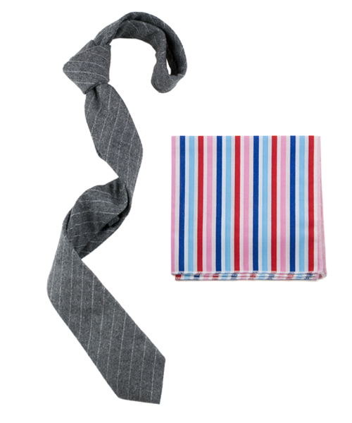 A neutral tie goes very well with a colorful pocket square. The pattern matching applies here as well.