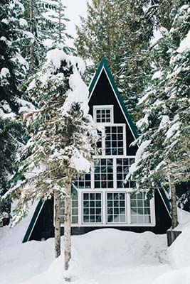winter-wooden-cabin