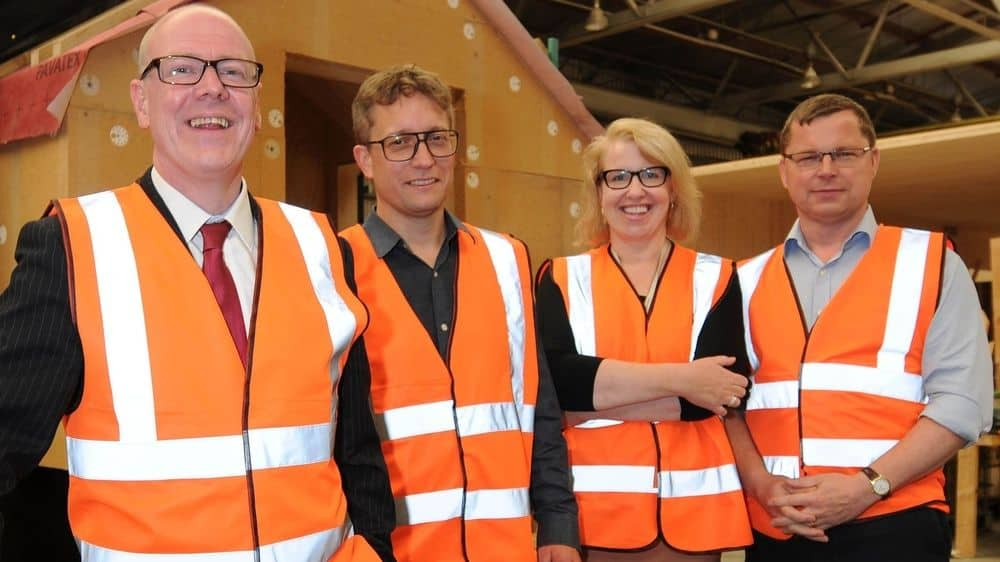 Kevin Stewart MSP, Minister for Local Government and Housing, tours Invergordon factory behind Saltire Award-winning Fit Home project.