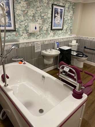 Reval Caprice bath image