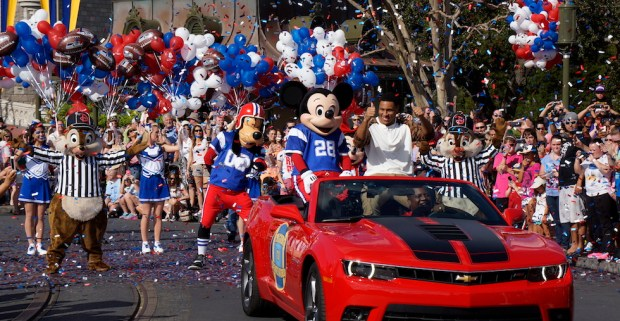 2014 super bowl mvl at disney world with mickey mouse